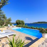 Holiday house with pool 30 m from the beach Okrug Gornji, Ciovo, Trogir